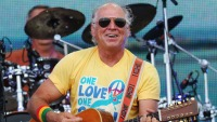 Jimmy Buffett Coming Back to Chicago This Summer