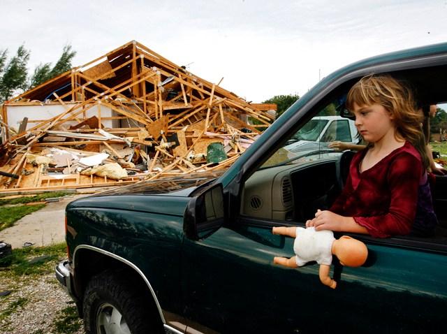 081909 Illinois Tornado Damage