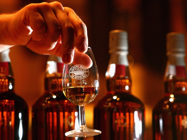 102108 alcohol booze whiskey tasting