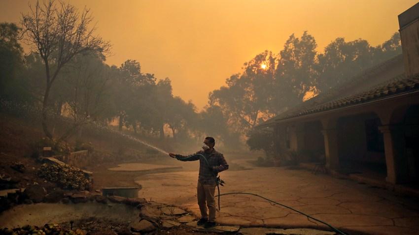 APTOPIX Calfornia Wildfires Blackout