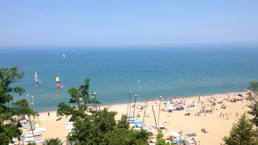 [UGCCHI-CJ]Beach, boats and blue sky (overlooking Lake Michigan cell pic view this afternoon from bluff at Lake