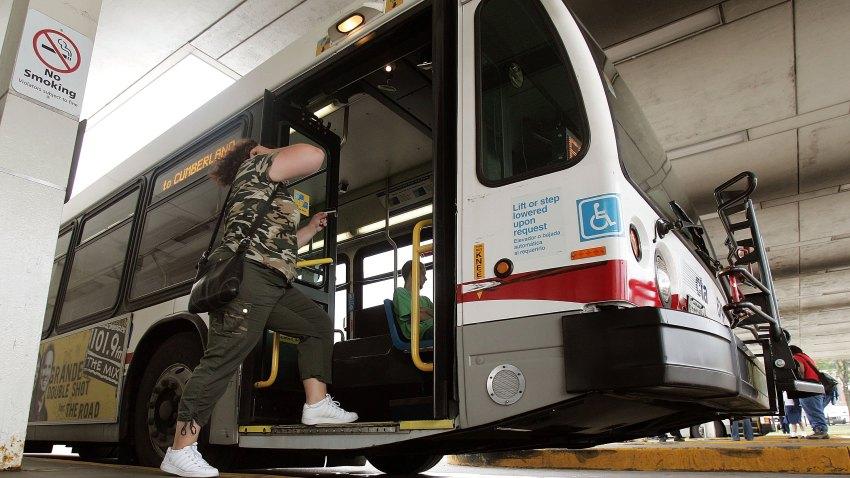 101108 CTA Bus Chicago