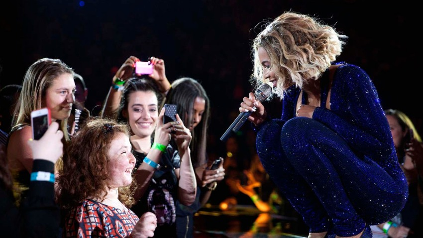 Beyonce Blind Fan beyonce web