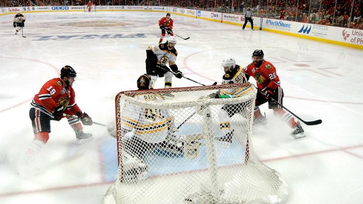 Blackhawks Bruins 2-1