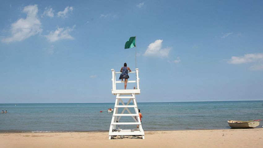 GettyImages-82128098 chicago beach generic