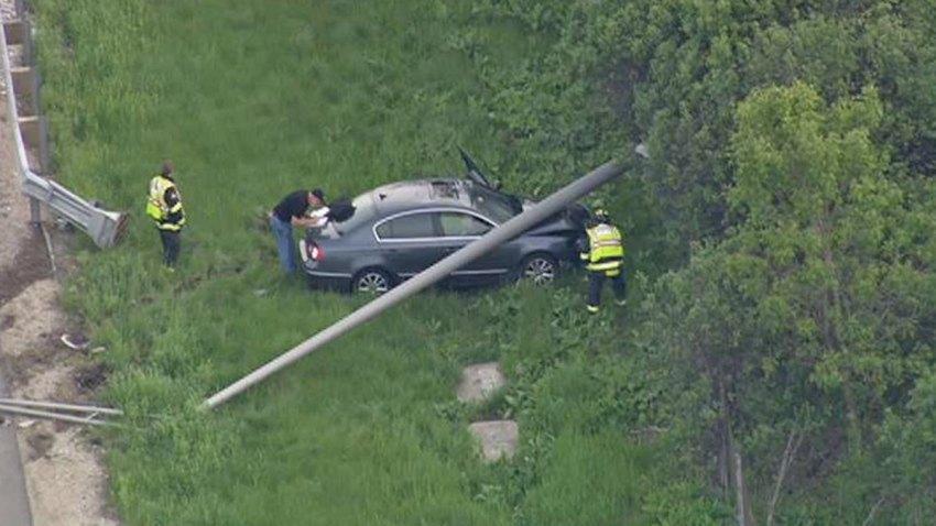 NB-294-crash-car-pole-1