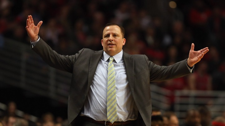Thibs Hands Up