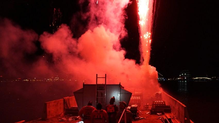 Wawa Welcome America 2019 Barge Fireworks Tug Red