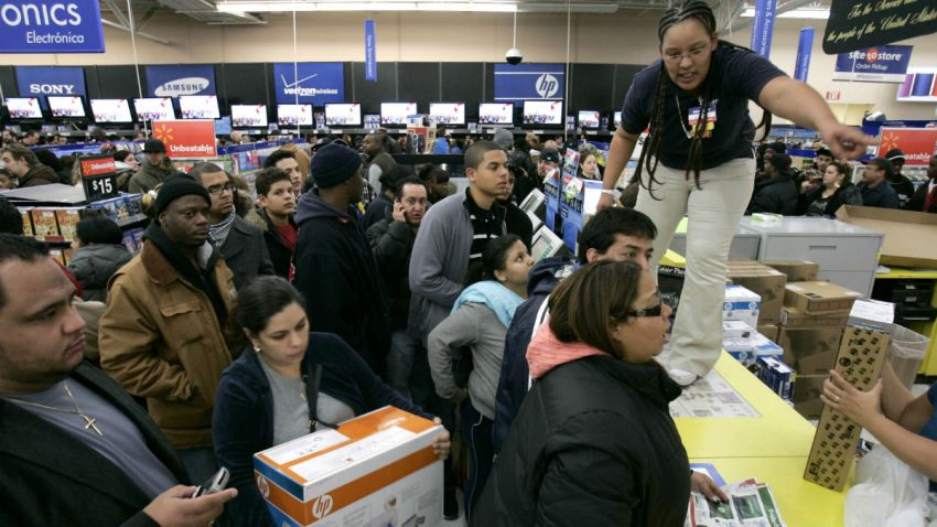 black-friday-employees-thanksgiving (1)