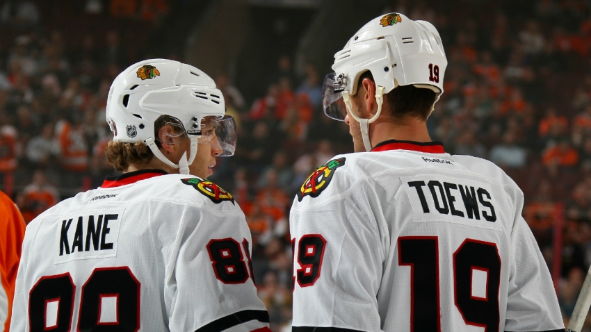 blackhawks kane toews GettyImages-493068540