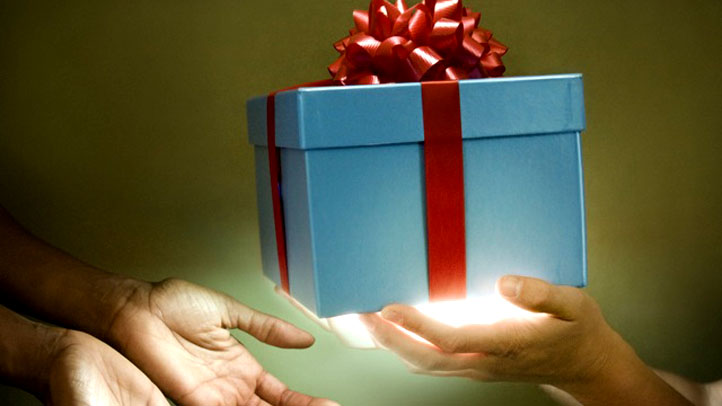 blue-gift-box-red-bow