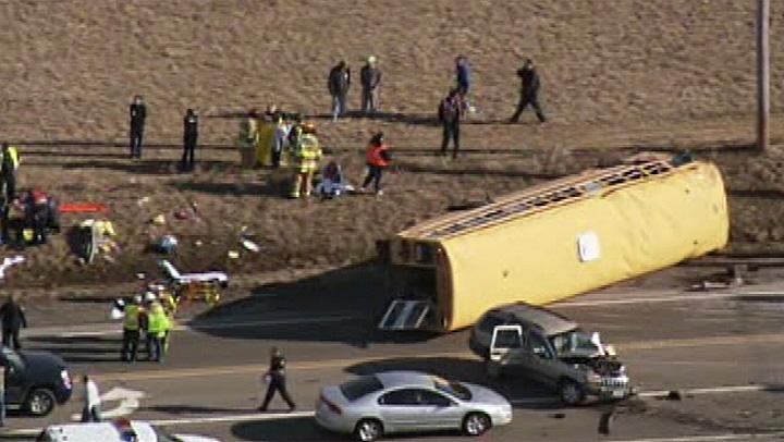 bus-crash-4-5_a