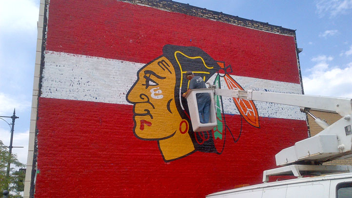 ches-perry-blackhawks-mural