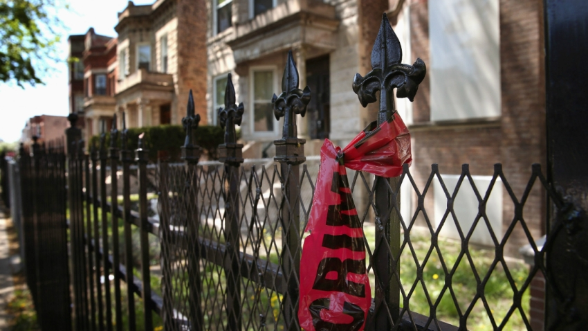 chicago violence crime tape GettyImages-168664873