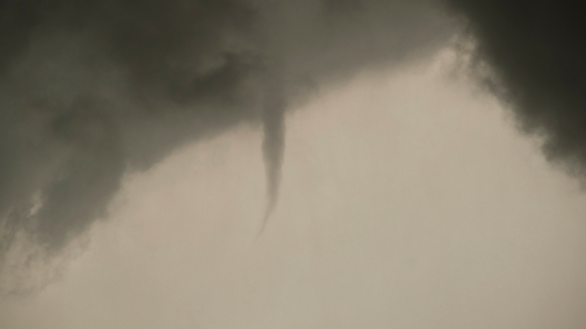 [UGCDFW-CJ-weather]Wall Cloud, Funnel, and One OK Tornado Photos