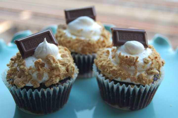 flirty-cupcake-truck