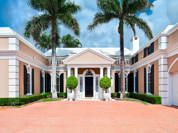 $8,750,000 for an Elegant Lake Front Home in Florida