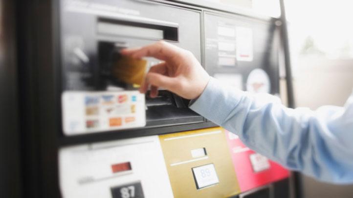 gas-pump-credit-debit-card