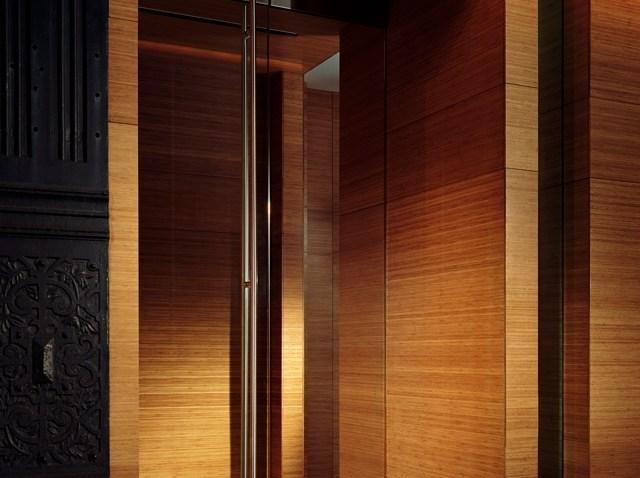 lumen_door