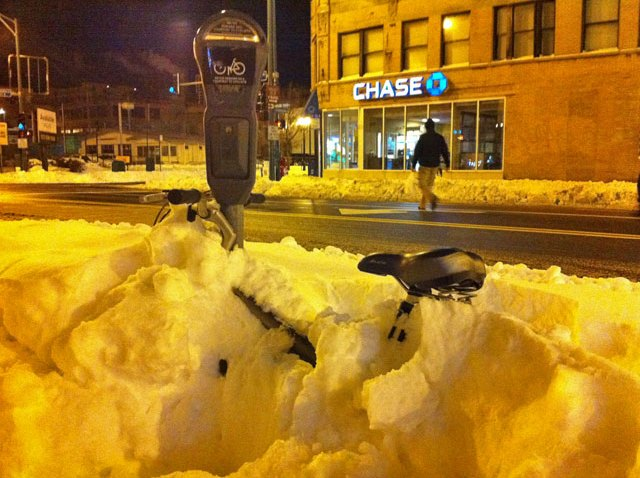 parking-meter-bike-snow