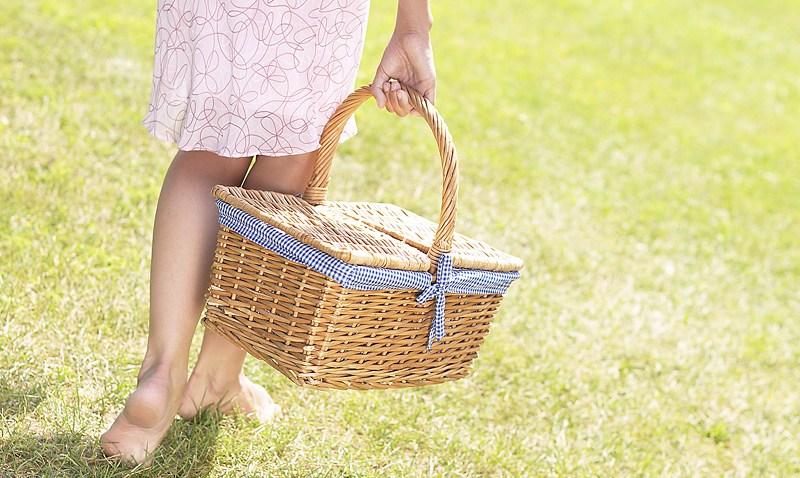 picnicbasket_barefoot
