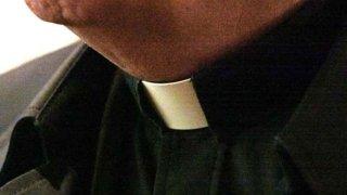 priest-collar-generic722