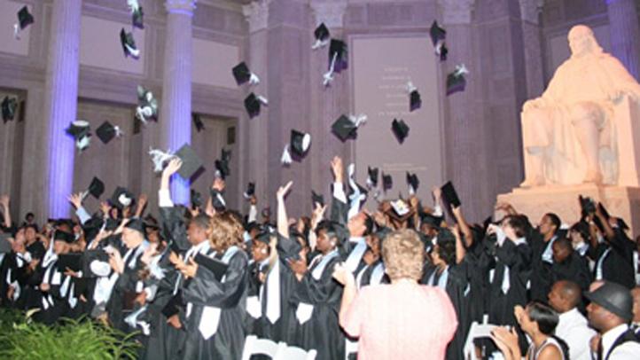 sla-first-graduating-class