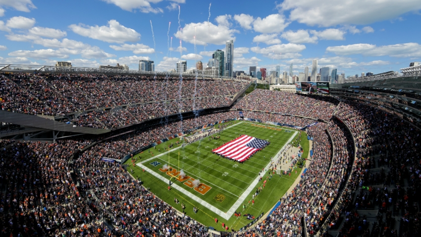 soldier field gettyimages-88047354