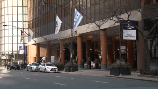 An exterior shot of the DoubleTree Hilton in Chicago
