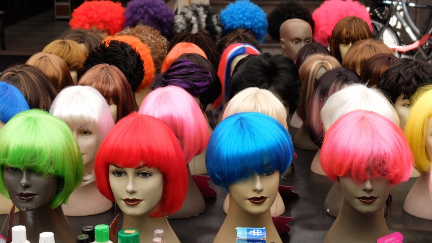 <h1>New York: A Bag of Wigs</h1>