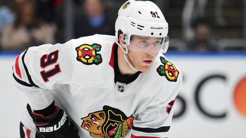 ST. LOUIS, MO - FEBRUARY 25: Chicago Blackhawks center Drake Caggiula (91) in an NHL game against St. Louis