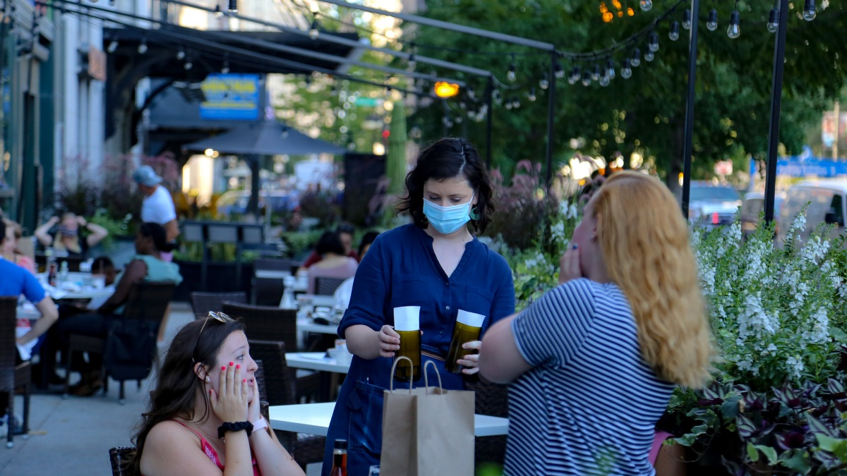 Illinois Coronavirus Updates New Mask Requirement At Restaurants How Covid 19 Spreads In Chicago Nbc Chicago