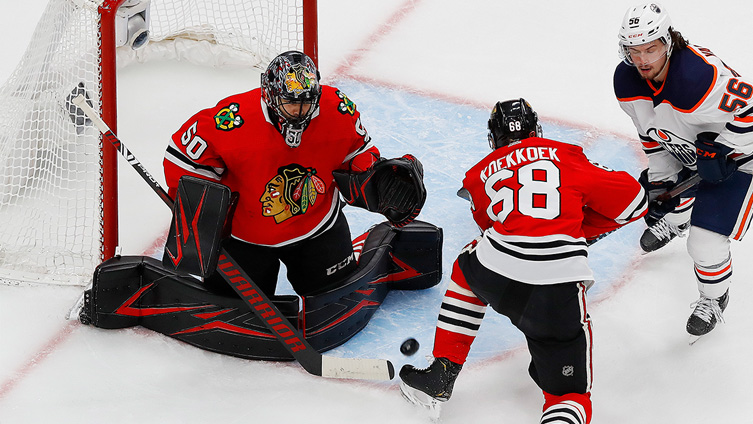 Blackhawks' Corey Crawford Heating Up Just in Time for Stanley Cup Playoffs