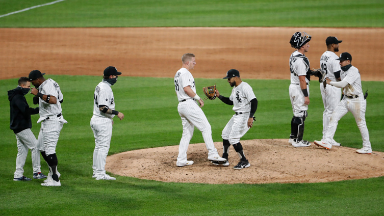 White Sox in the Thick of It as AL Central Race With Indians, Twins Heats Up