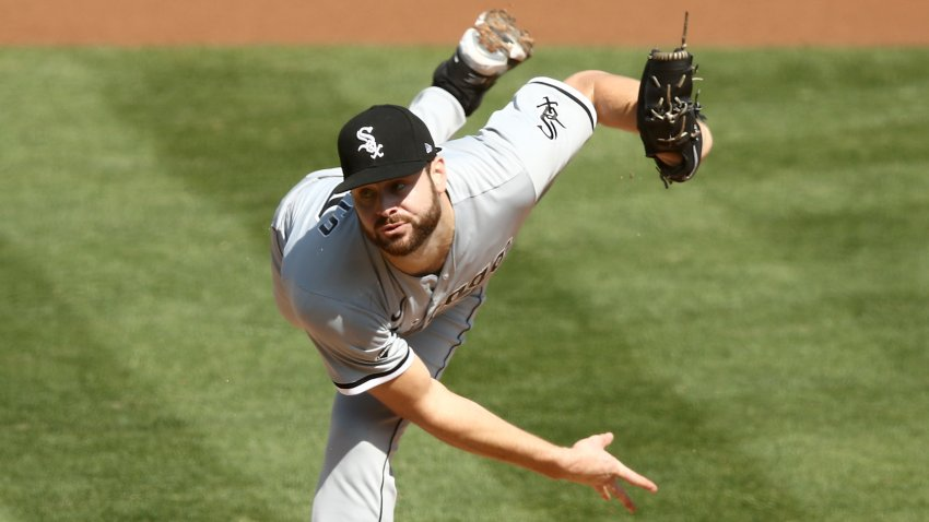 Lucas Giolito delivers a pitch in Game 1 of the Wild Card Series vs. the Oakland Athletics