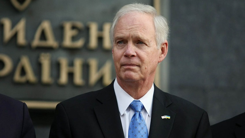 Sen. Ron Johnson (R-Wis.) partakes in a joint briefing with Sens. Christopher Murphy and John Barrasso after their meeting with Ukrainian President Volodymyr Zelensky in Kyiv, Feb. 14, 2020.