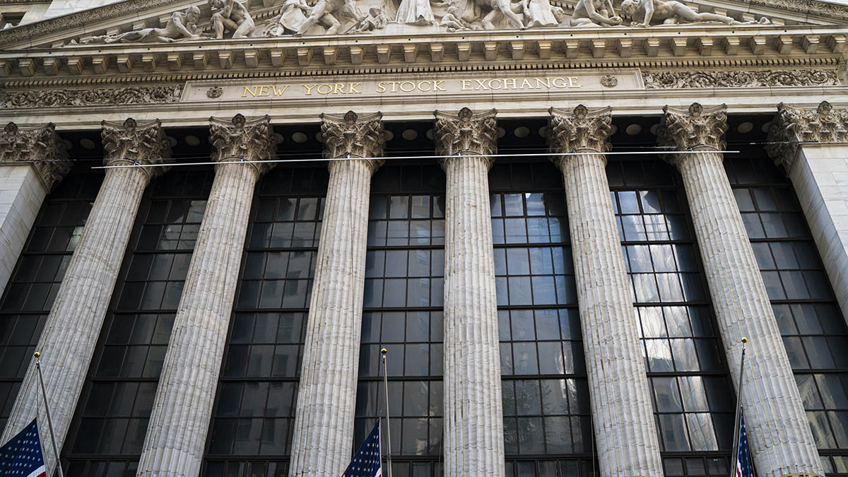 US Stocks Tumble Toward Worst Day in a Month Amid Virus Woes – NBC Chicago