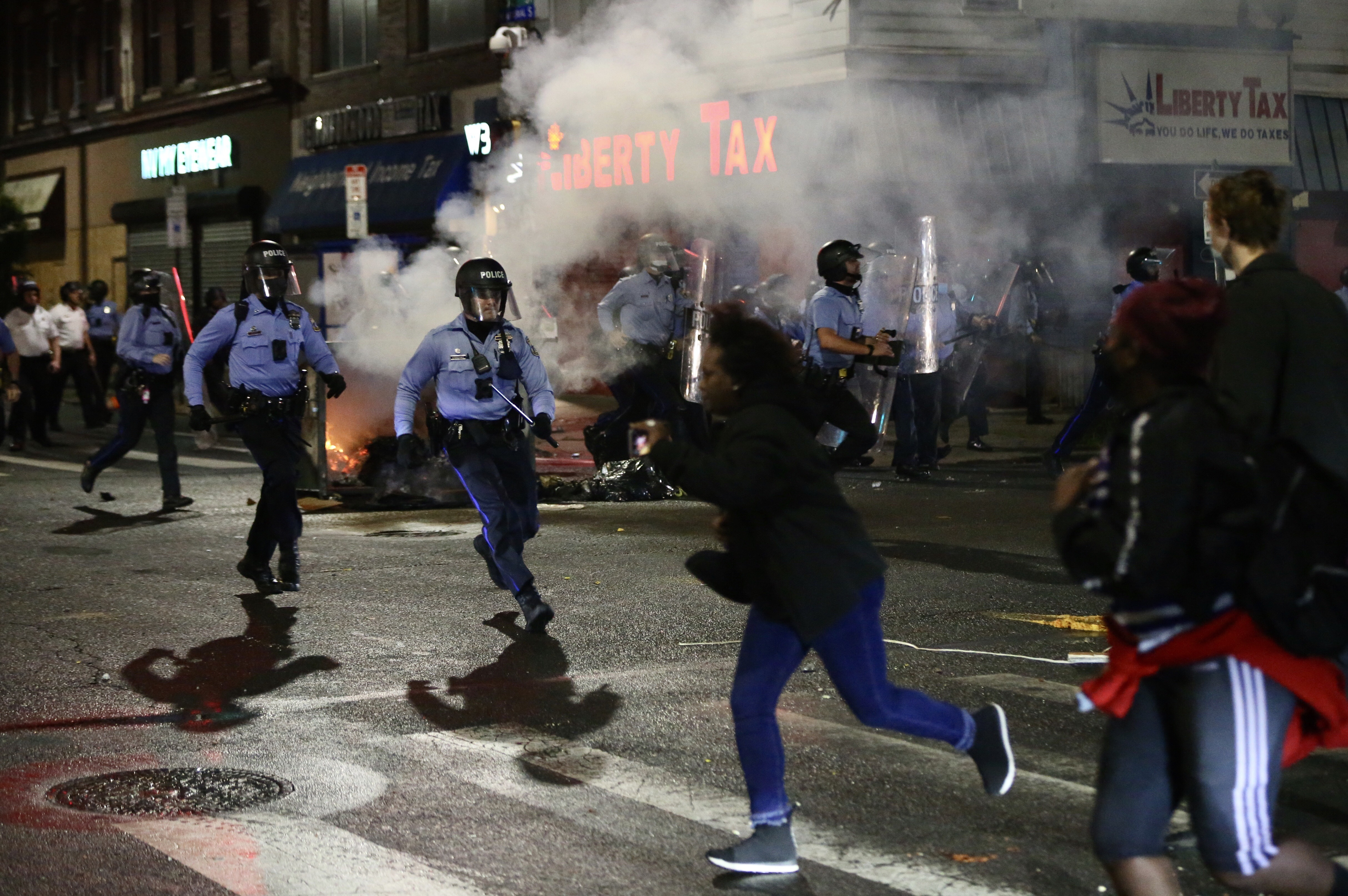 Violence Tears Through West Philadelphia, Other Neighborhoods After Police Shoot, Kill Walter Wallace Jr.; 30 Officers Hurt – NBC Chicago