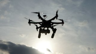 Foto Genérica de un drone volando.