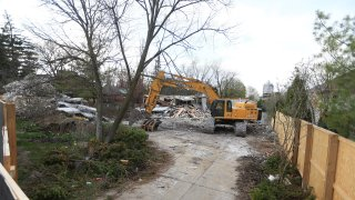 The Barry and Honey Sherman home at 50 Old Colony Drive has been demolished. The notorious home of the owner of Apotex Pharmaceuticals was on the market when Barry and Honey were found dead by the pool.
