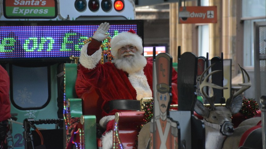 CTA Holiday Train, Bus Schedule Released – With One Major Change
