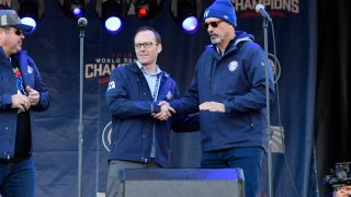 Len Kasper and Jim Deshaies during the Chicago Cubs World Series victory rally
