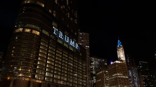 Night view of the city of Chicago with the Trump tower
