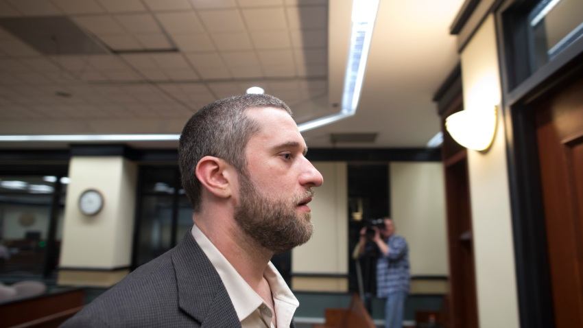 Dustin Diamond walks out of the coutroom after a split verdict in an Ozaukee County Courthouse May 29, 2015 in Port Washington, Wisconsin.
