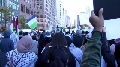 Marchers Hold Demonstration at Chicago Israeli Consulate Amid Escalating Tensions