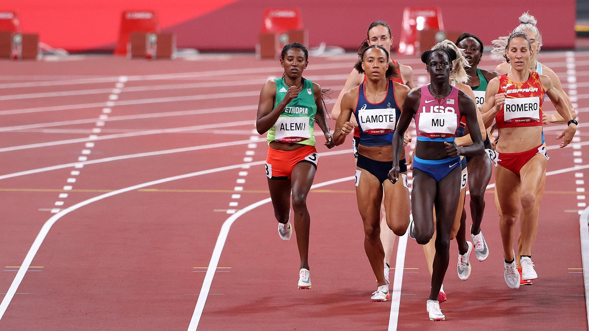 America's Mu Through to 800m Final, Keeping Alive Quest for Gold