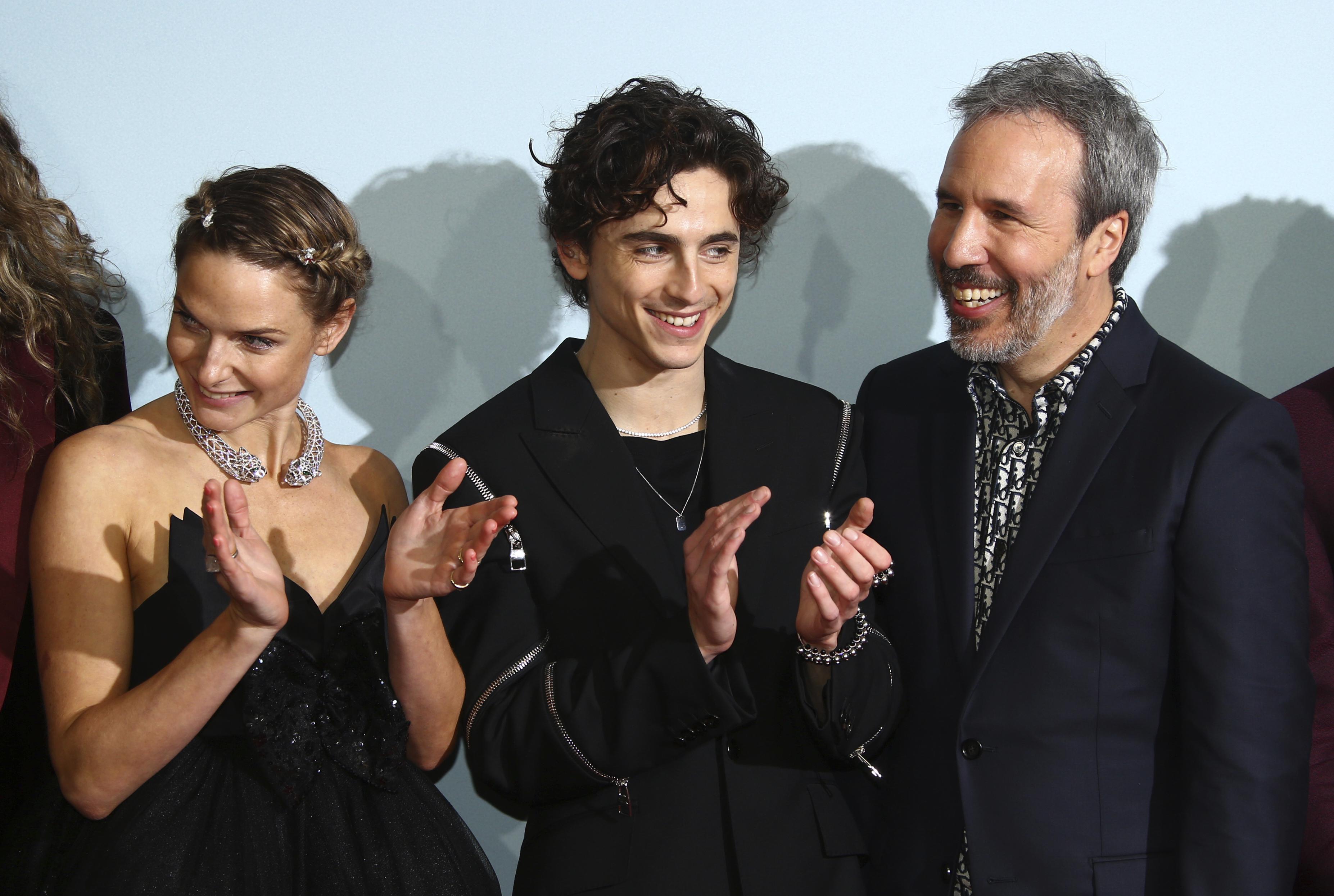 Despite Hybrid Release, 'Dune' Draws Well on the Big Screen – NBC Chicago