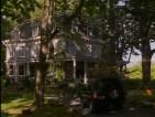Stepmom-house-driveway-611x458