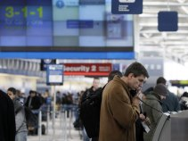 United Outage Strands Passengers at O'Hare
