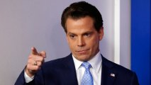 Back-Slapping Hedge Fund Magnate Scaramucci Reaches WH